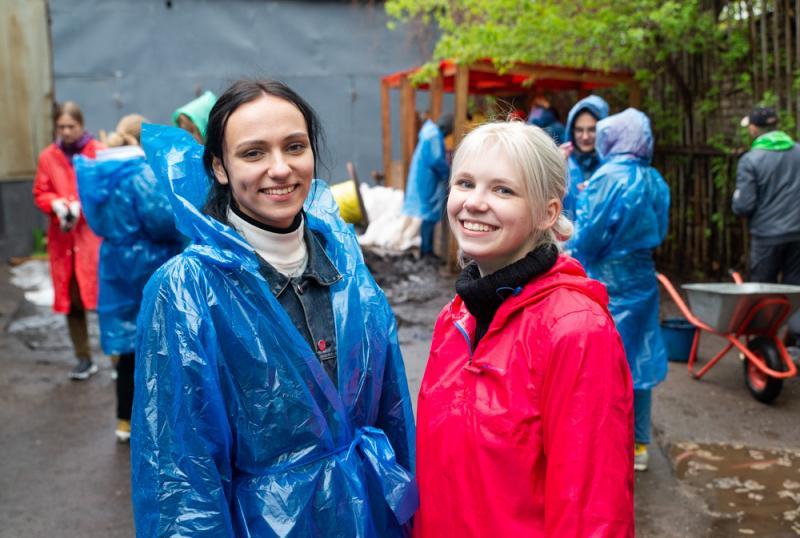 Студентки Анастасия и Полина, принимавшие участие в проекте
