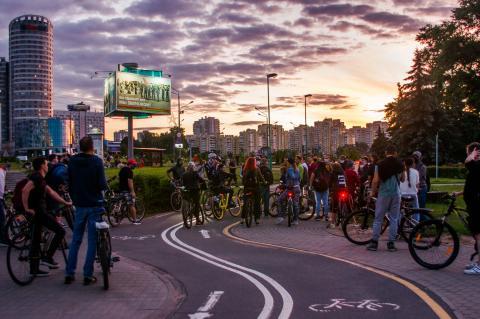 Громкий протест, тихий проспект. Фоторепортаж со стихийной акции 14 июля в Минске