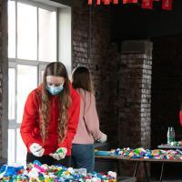 Беларусы собрали более 55 тонн пластиковых крышечек в помощь детям