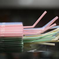 Bloomberg: Одноразовый пластик отвоевывает мир благодаря коронавирусу