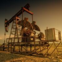 «Я по миру начал искать нефть». Минприроды хочет вложиться в геологоразведку