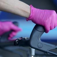 Одноразовые перчатки не защищают от коронавируса