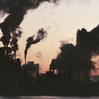 МВФ рассчитал размер налога на СО2, который спасет планету
