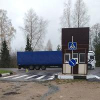 Детский сад, костел, стоянка для большегрузов. Жители деревни Урбаны против «благоустройства»