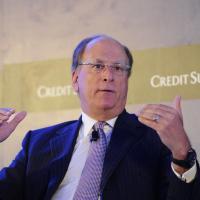 Климатический кризис приведет к перераспределению капитала — глава инвесткомпании BlackRock