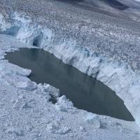 Печальное фото: что за полвека стало с ледниками Гренландии