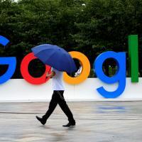 Более 1000 сотрудников осудили Google за поддержку «климатических скептиков». И компания занялась поддержкой эко-стартапов