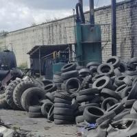 «Невозможно дышать». Случчанка пять лет добивается переноса производства по переработке шин за черту города