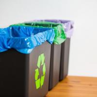 В Польше за сортировкой мусора проследят с помощью мешков со штрих-кодами