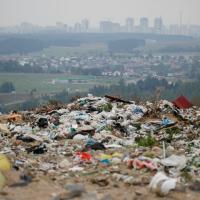 В Беларуси начинают отказываться от полиэтиленовой упаковки. Президент подписал директиву