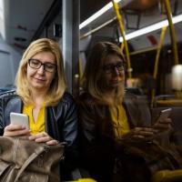 Как в разных странах защищают женщин от домогательств в общественном транспорте
