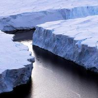 Антарктида теряет лед в шесть раз быстрее, чем 40 лет назад