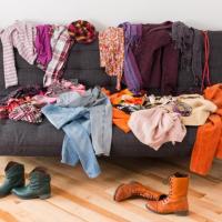 Котикам – полотенца, нуждающимся – обувь. Куда  сдать ненужные вещи