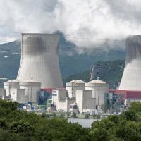 Во  Франции продлят срок службы атомных реакторов