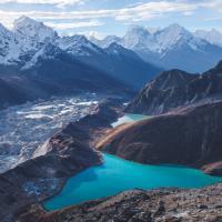 Вершина мира начинает таять: чем опасны ледниковые озера