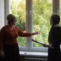 Лайфхаки для пенсионеров: как посчитать число стёкол в стеклопакете и проверить окна на энергосбережение