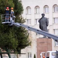 Куда денут новогодние ёлки с площади Ленина после праздников?