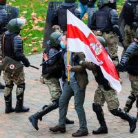 «Благодаря ему Беларусь работает с международными специалистами». Сколько экоэкспертов село за вчера? (обновлено)