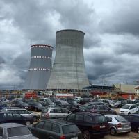 Андрей Ожаровский: «Россия будет вынуждена покупать ненужную электроэнергию с опасной АЭС Беларуси по политическим причинам»