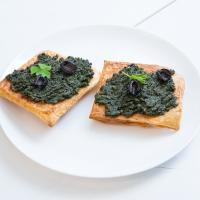 Лайфхаки. Итальянский соус из беларусских трав – песто со снытью и кислицей
