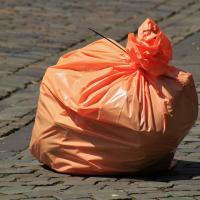 Больше пластика богу пластика. Как одна из «Корон» запрещает паковать фрукты и овощи в многоразовую тару