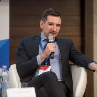 «Цель у этого – душить гражданское общество». Как государство не даёт Владимиру Ковалкину сделать общественные обсуждения более доступными