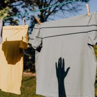 Реальная цена одежды. Какие ткани самые вредные для окружающей среды?