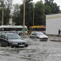 Синоптики объявили об оранжевом уровне опасности в области: ожидаются сильные дожди и ветер