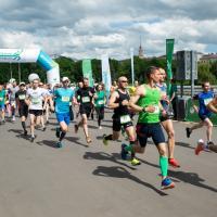 Около 1000 человек собрались в центре Минска на «Зеленый марафон» (фото)