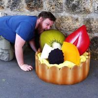 Сочный чизкейк и ореховое пирожное. Парижанка из домашнего хлама создает шедевры гастрономии