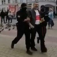 Противников завода АКБ приглашали на референдум и под руки уводили с площади