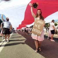 You obosralsya. Что пишут люди на протестных плакатах в Беларуси