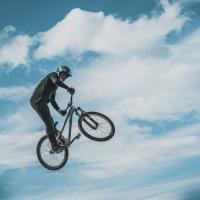 Витебское областное ГАИ назвало велосипедистов «обезьяной с гранатой»