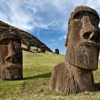 Падающий истукан. Google покажет, как климат влияет на исторические памятники