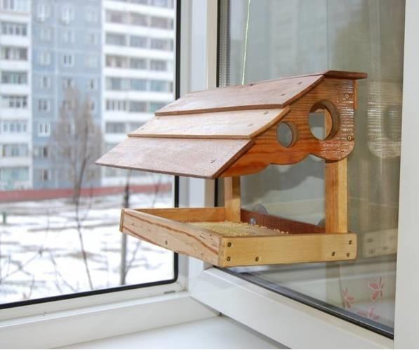 Кормушка для птиц в домашних условиях своими руками