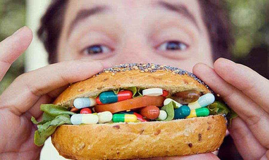 Картинки по запросу Чем опасны просроченные лекарства