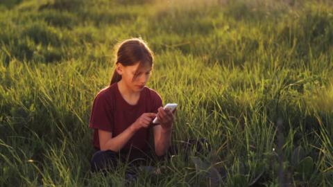 Климатические изменения онлайн и справочник сорняков. Семь полезных эко-приложений для смартфона