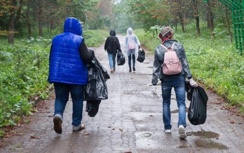 Сколько мусора можно убрать после «Зеленстроя»? Уборка «Зробим» в парке 50-летия октября