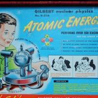 Радиоактивная игрушка 50-х стала музейным экспонатом