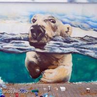 На улицах Барселоны появились белые медведи (фото)