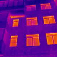 Утепление есть, эффекта нет: смотрим на дом через тепловизор