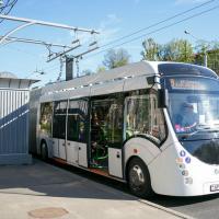 Минчане жалуются на шумные подзарядки электробусов. Почему звук превышает норму в несколько раз?