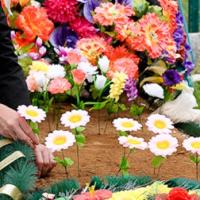 Мнение. Память о предках или заложники ритуальных услуг?