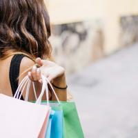 Как побороть тягу к покупкам и уменьшить свой углеродный след