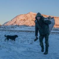 Жизнь полигона «Северный»: как бомжи сортируют мусор за 20 рублей в день