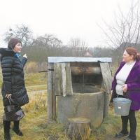 В колодцах деревни Заболоть пропала вода: сельчане винят мелиораторов