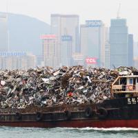 Китай отказался перерабатывать импортный мусор