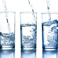 «У нас нет нужды в фильтрах!» —беларусов уверяют в качестве питьевой воды