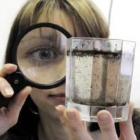 Как не купиться на «экспресс-анализ»? В Минске активизировались продавцы чудо-фильтров для воды