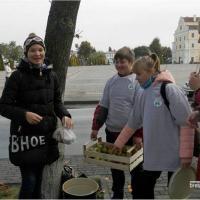 Как выпускники «Зелёнки» в Пинске меняли просроченные лекарства на яблоки